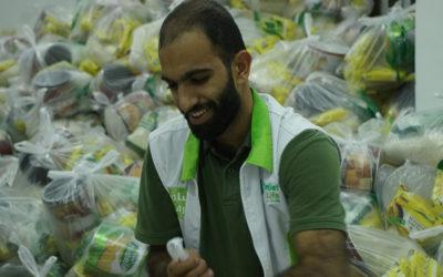 توزيع مساعدات إنسانية