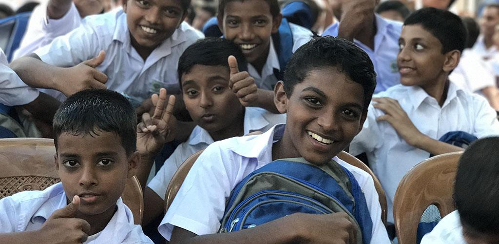 توزيع حقائب مدرسية