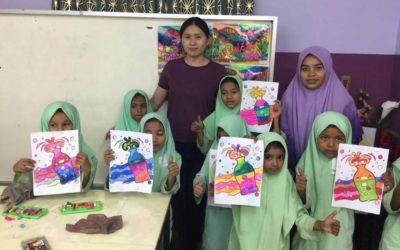 تدريب الموهوبين من طلاب الروهينجا على فنون الرسم